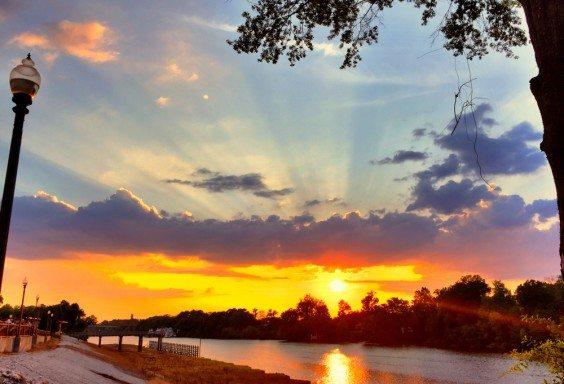 150814 Sunset on the Tuscaloosa Riverwalk