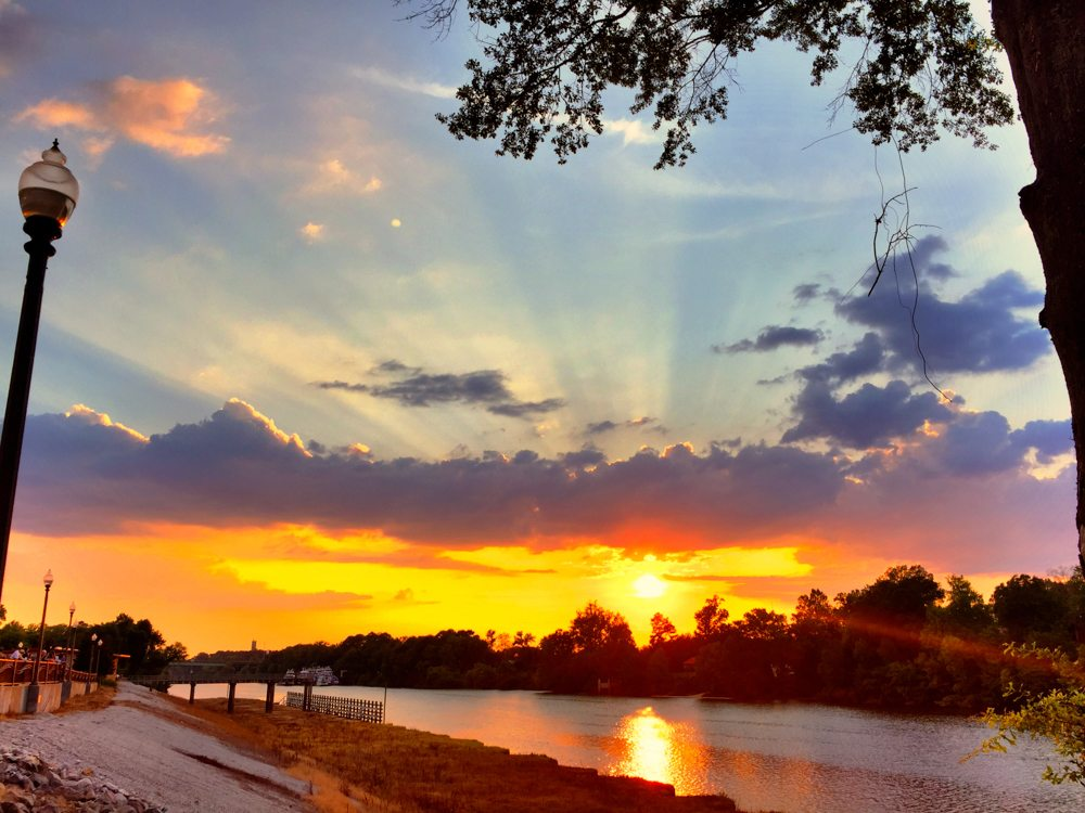 150814 Sunset on the Tuscaloosa Riverwalk