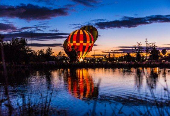 151005b-Magical-Dusk-with-Hot-Air-Balloons