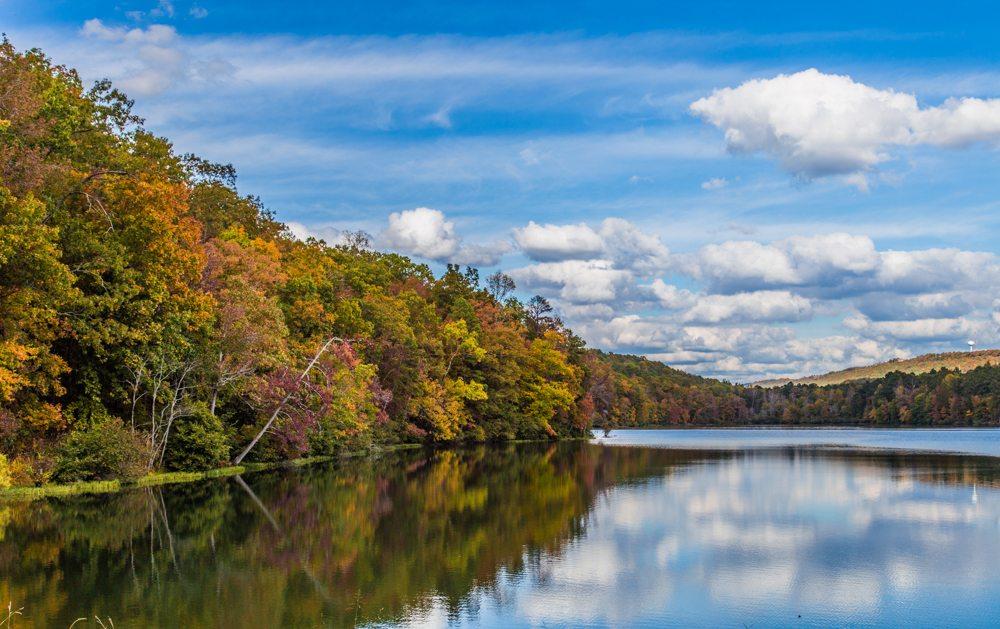 151023f-The-Lake-at-Oak-Mountain-in-the-Fall