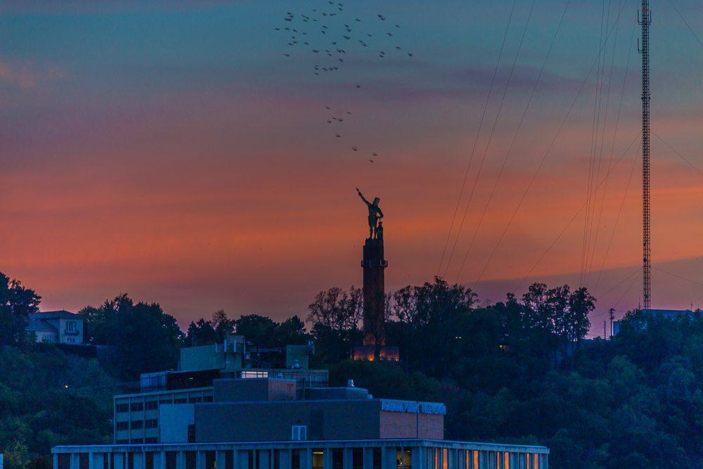 161013e-vulcan-and-the-birds