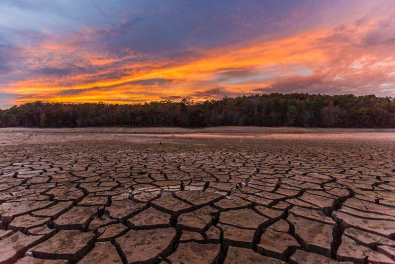 161111c-lake-purdy-drought-sunset