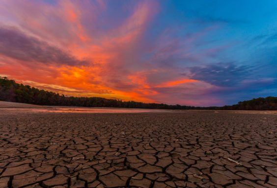 161111e-lake-purdy-drought-sunset
