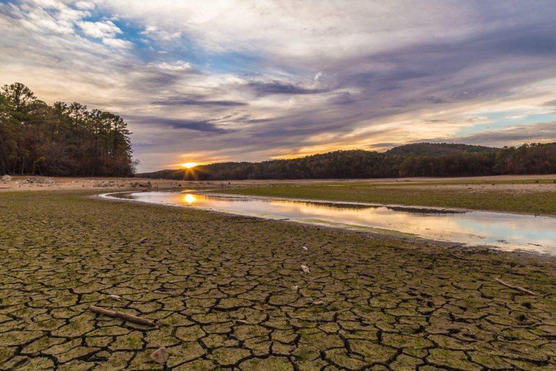 161111i-lake-purdy-drought-sunset