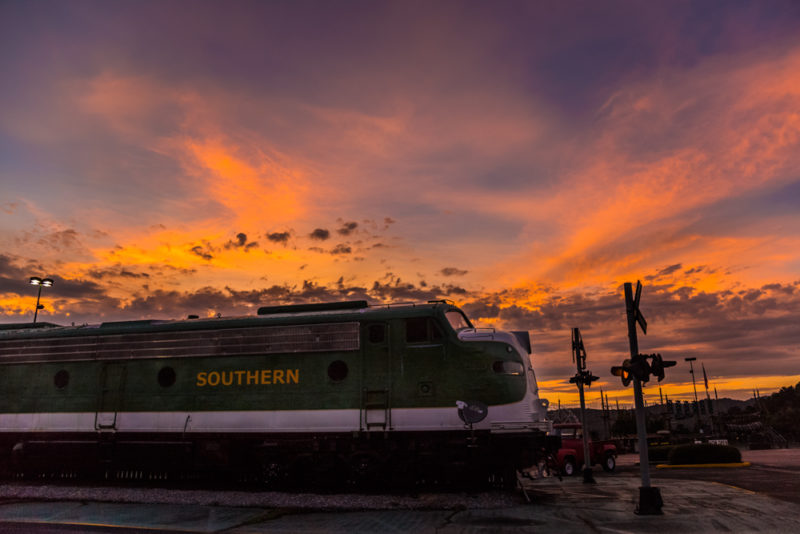170814-Trains-and-Sunset_MG_2337 s