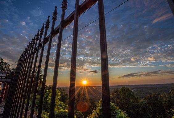 170910c-Guarding-the-Sunset s