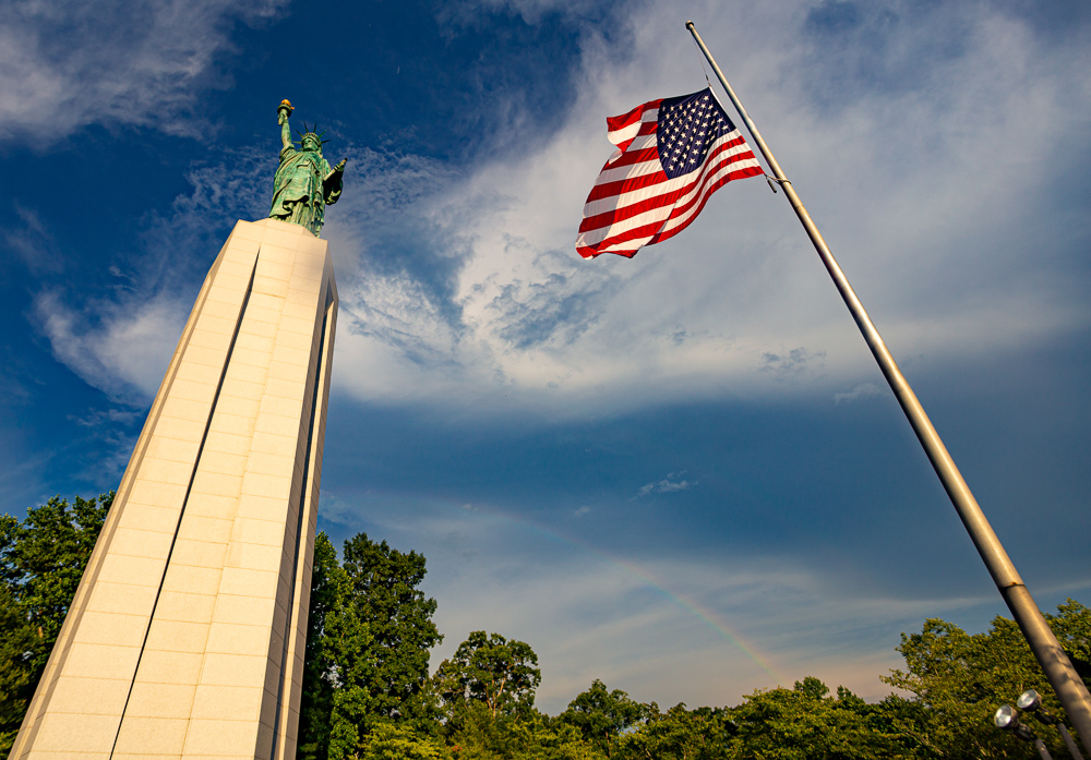 190630-Lady-Liberty-and-the-RainbowIMG_6752s