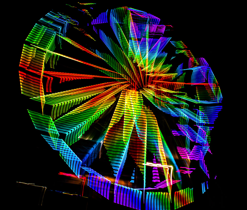 190727-trippy-ferris-wheel-at-the-wharf-IMG_0624-squares