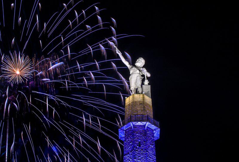 200704-blue-vulcan-fireworksIMG_5864 s