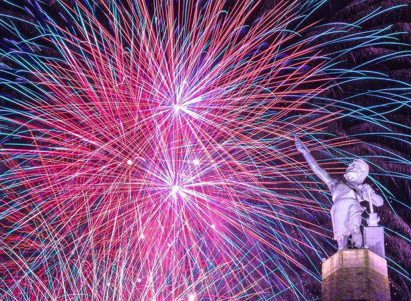 200704-bright-vulcan-fireworks-_M7A5123 s