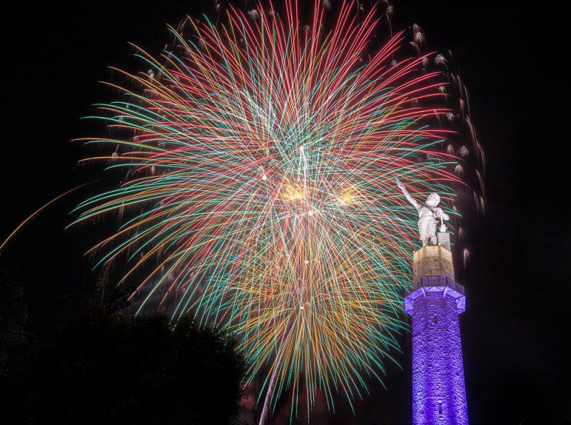 200704-glow-finale-vulcan-fireworks-_M7A5102 s