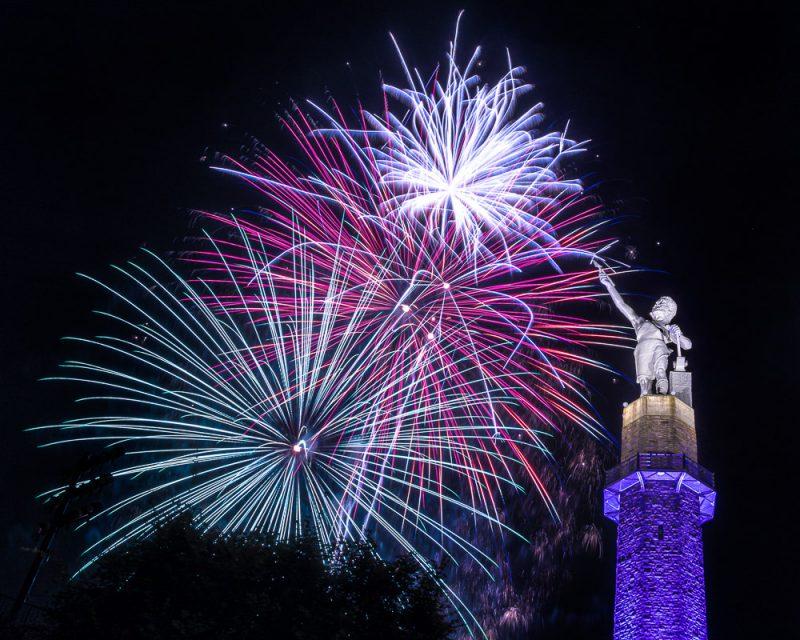 200704-vulcan-aglow-fireworks-_M7A5030 s