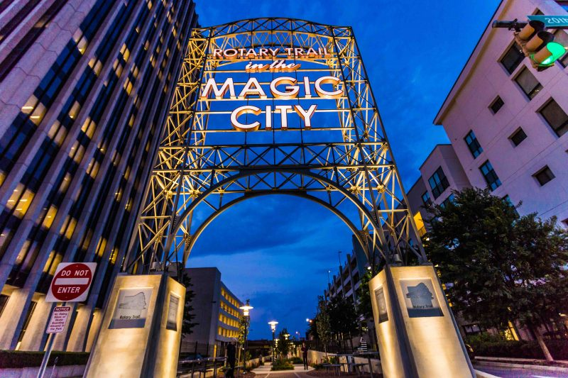 160705g-Magic-City web r