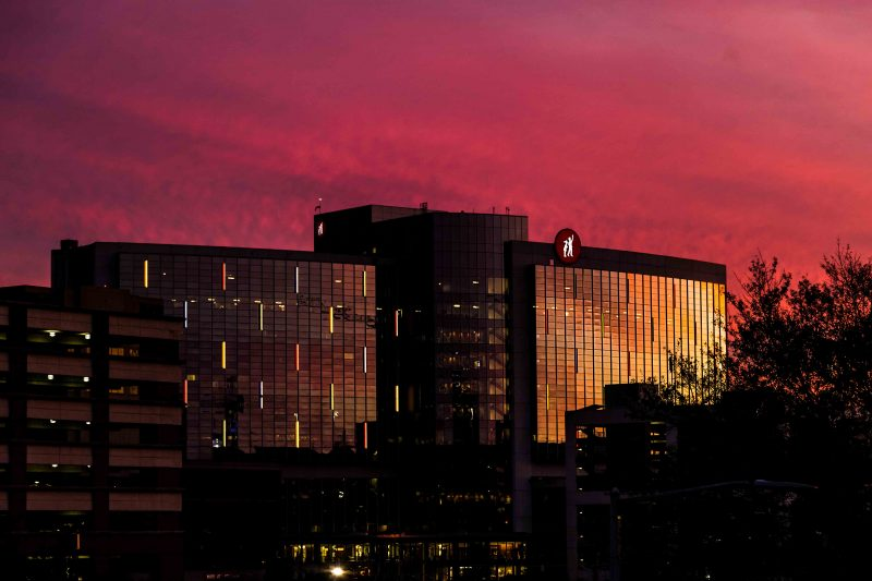 181117-children's-hospital-in-the-pink-sunset-IMG_2686 web