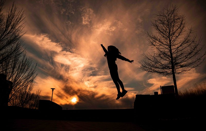 200128-flying-off-into-the-sunset-at-railroad-park-2M7A2938 web
